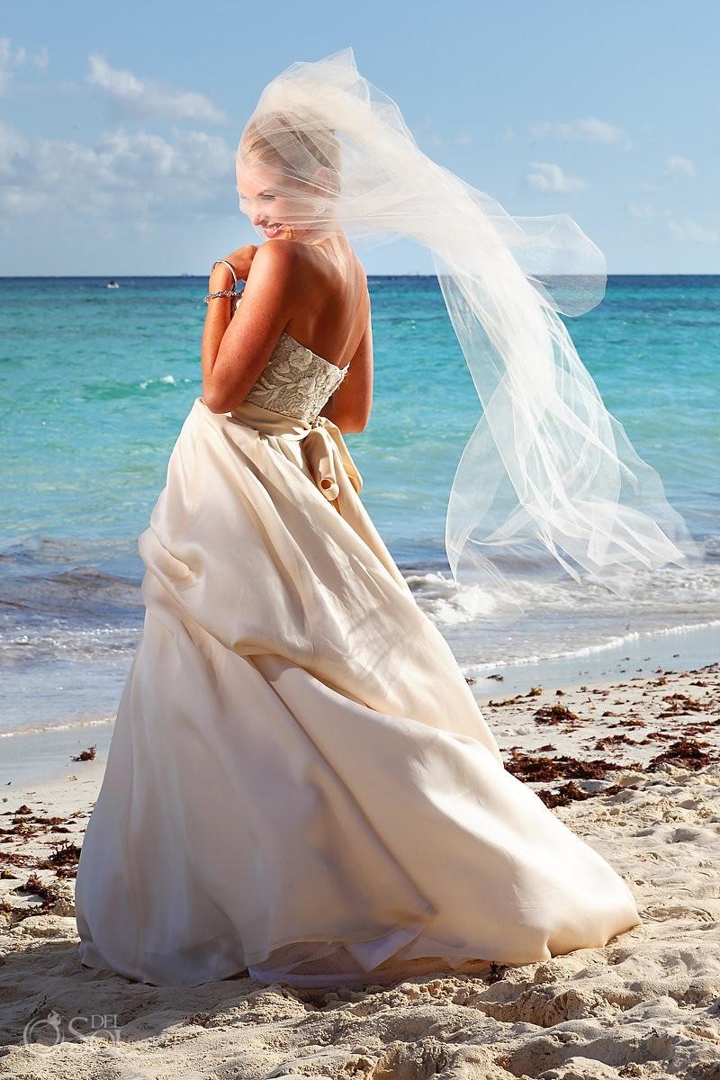 bride portrait Mahekal Beach Resort Playa del Carmen Mexico