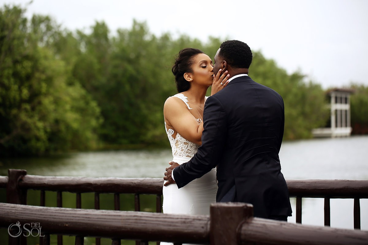 Banyan Tree Mayakoba Wedding kiss