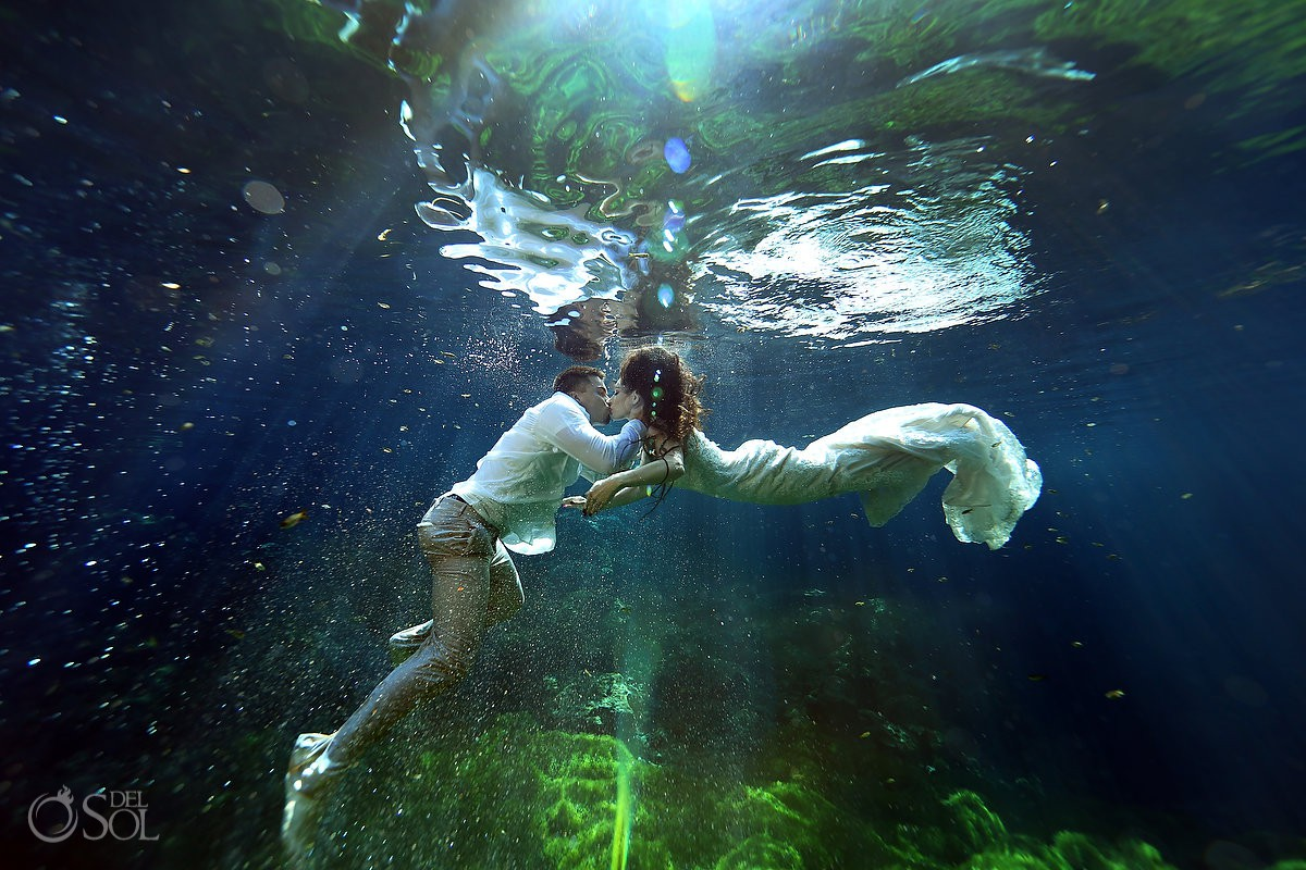 Underwater photoshoot Trash the Dress cenote Riviera Maya Mexico newlyweds