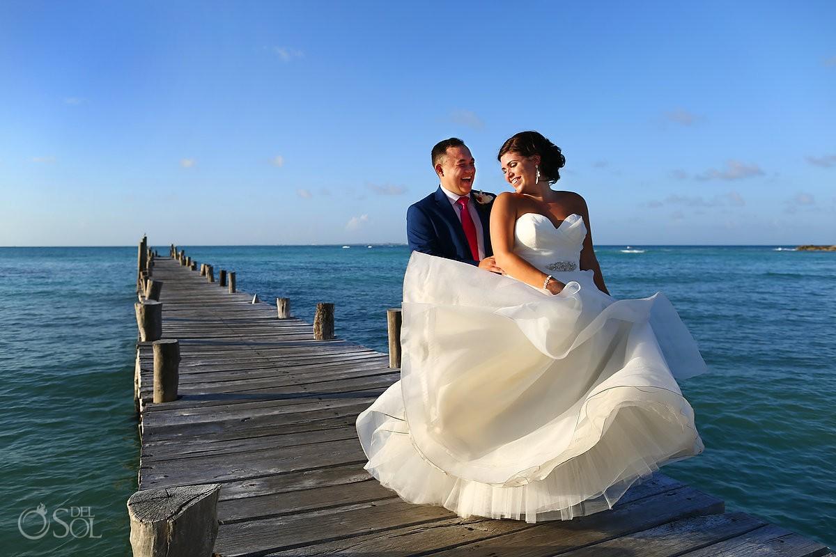 Wedding photographer Hyatt Ziva Cancun bride and groom portrait Essence of Australia Wedding dress