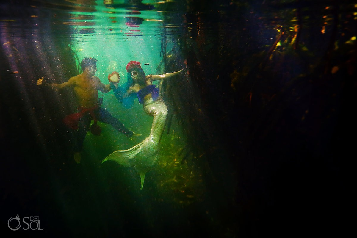 Underwater photography cenote Riviera Maya day of the dead couple