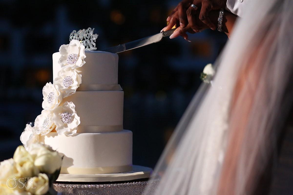 cake cutting wedding ideas Secrets Playa Mujeres Golf & Spa Resort Cancun Mexico