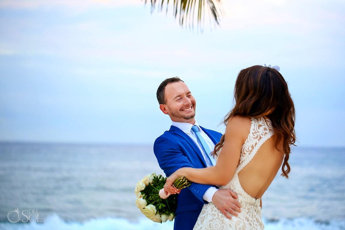 Romantic beach wedding pictures Dreams Puerto Aventuras Riviera Maya Mexico