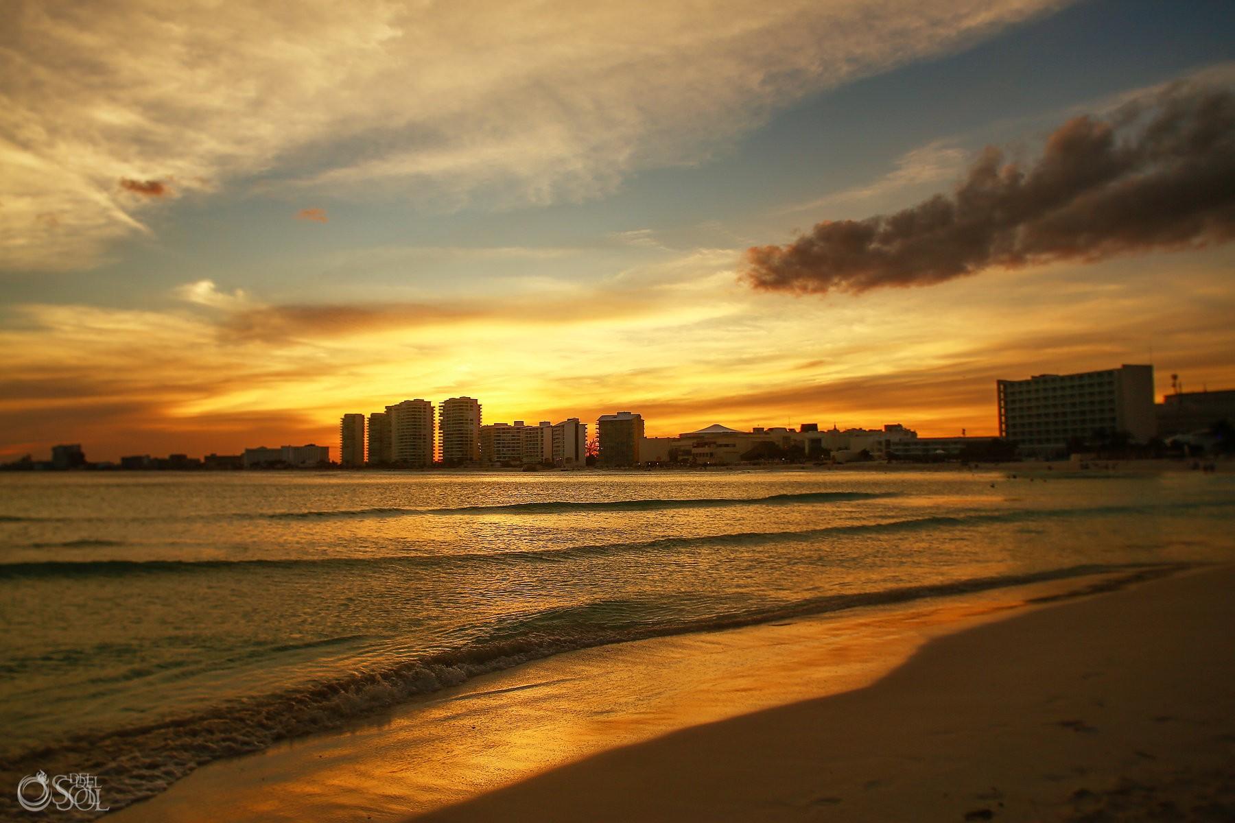 epic sunruse destination wedding venue Hyatt Ziva Cancun, Mexico by del sol photography