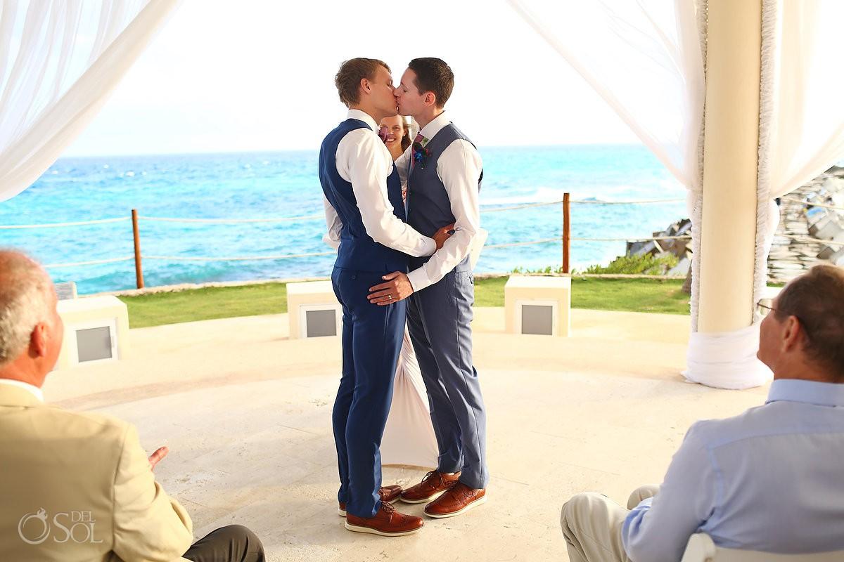 Same Sex Destination Weddings Hyatt Ziva Cancun