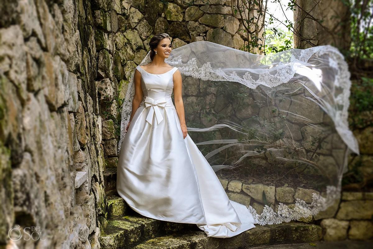 Bride wedding portrait Xcaret and Now Sapphire Playa del Carmen Mexico