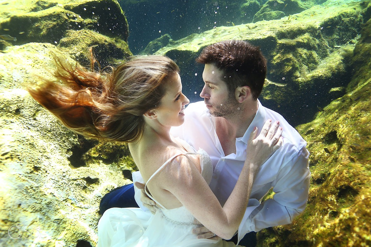 Underwater trash the dress photos bride and groom #travelforlove