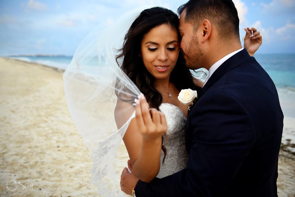 wedding veil Dreams Riviera Cancun Gazebo