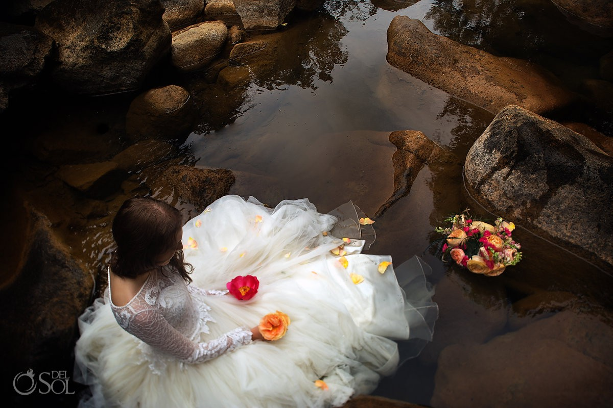 Creative bride portrait Cerro Azul Trash the Dress Panama City Panama