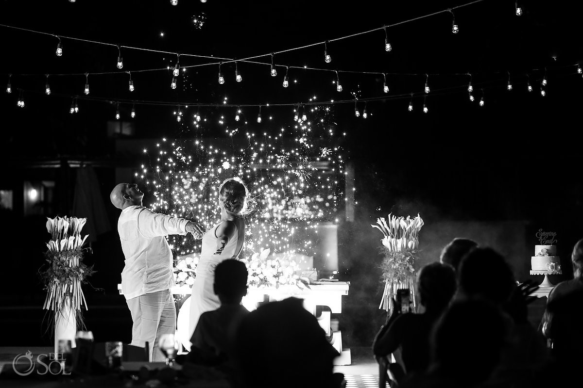 Wedding Dreams Riviera Cancun Bride and Groom First dance Mexico