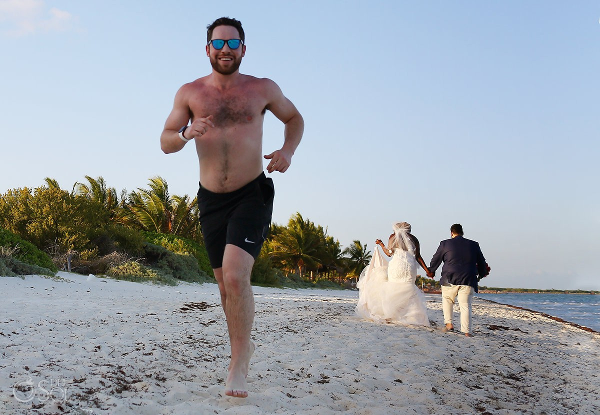 Funny wedding photo photobomb bride groom portrait Blue Diamond Riviera Maya Mexico