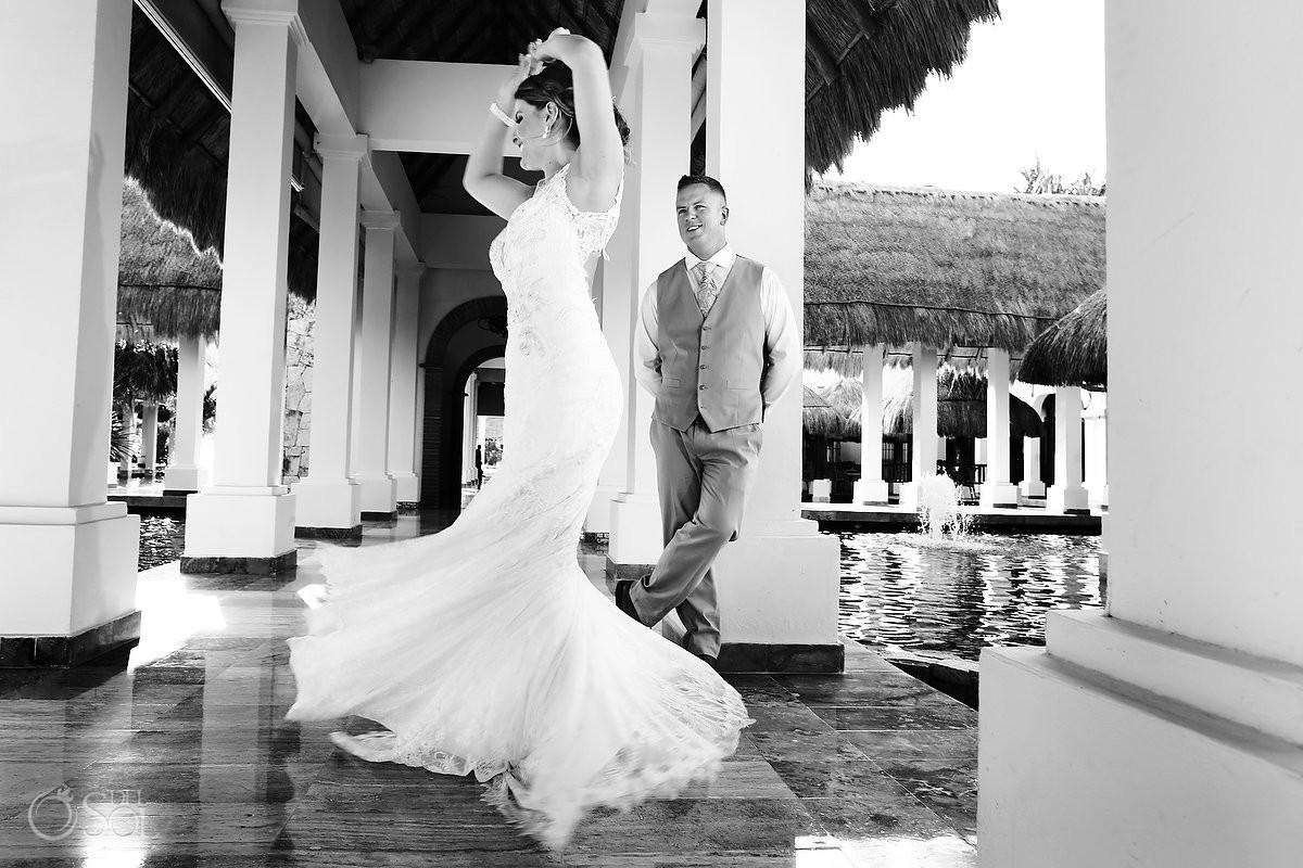 Now Sapphire Wedding Mexico dancing bride