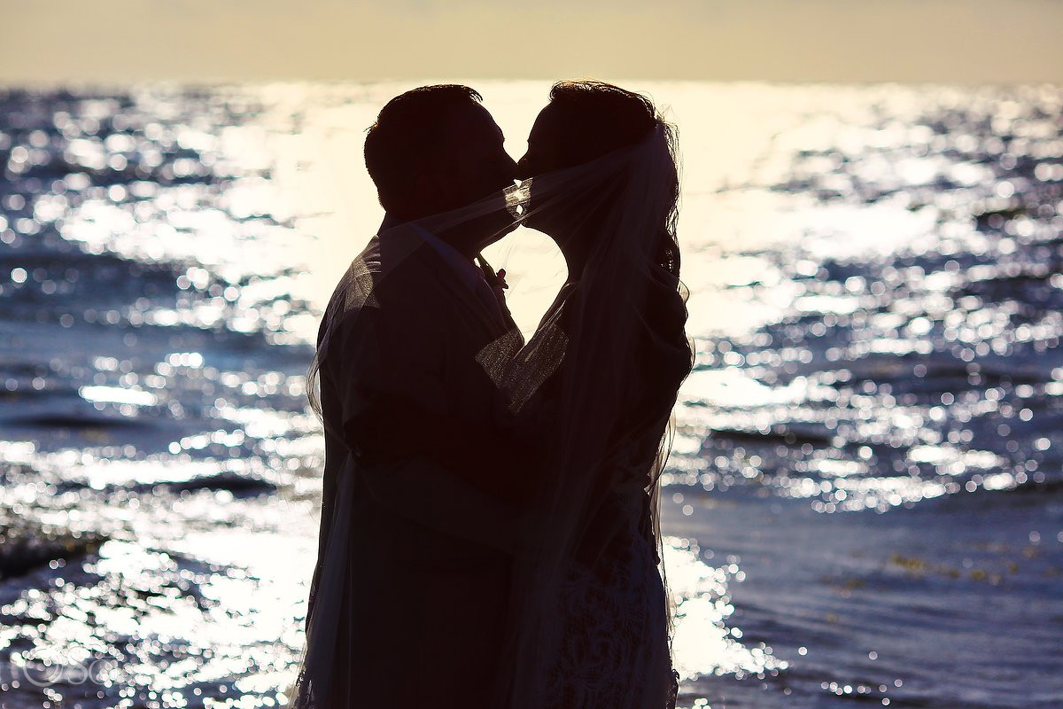 beach silhouette underwater wedding photos