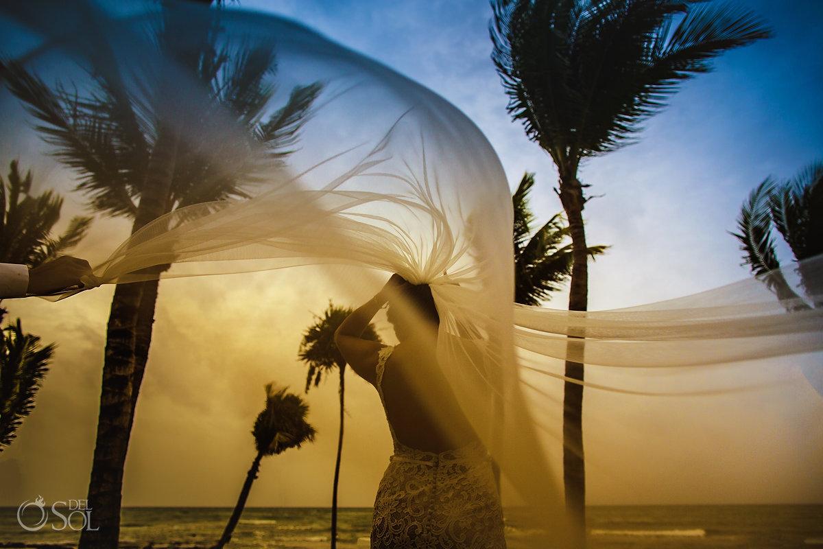 Playa del carmen wedding veil