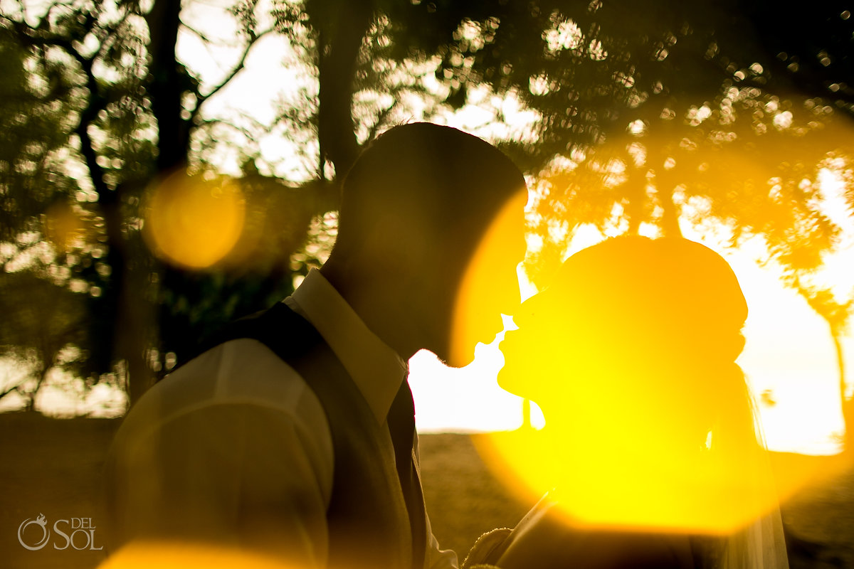 Dreams Las Mareas Wedding kiss