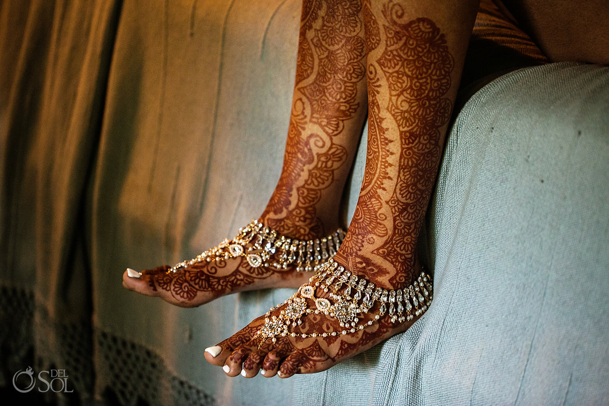 Epic Bridal Henna Mehndi feets and wedding jewelry