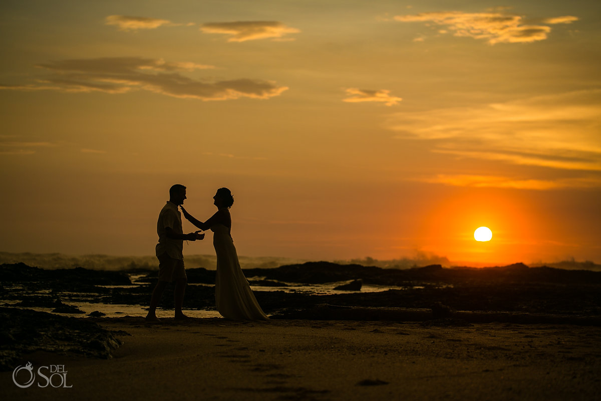Amazing sunset wedding Silloutte at Costa Rica