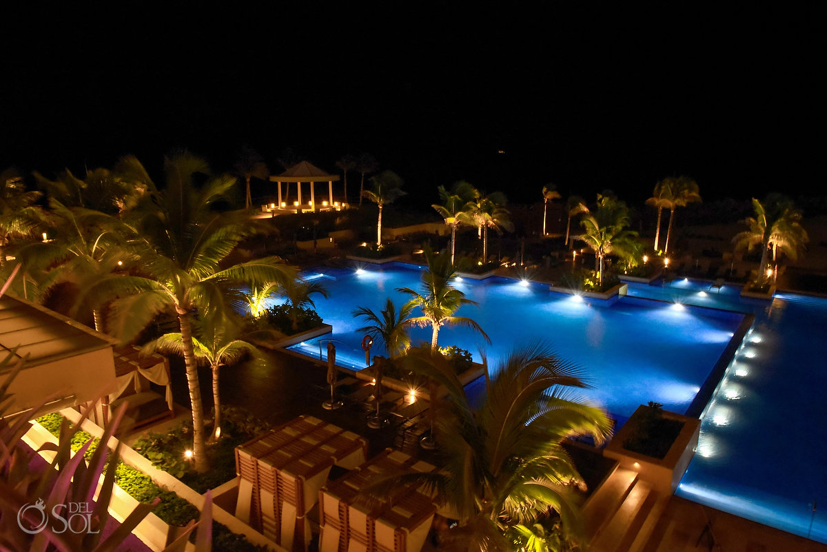 Hyatt Ziva Cancun night long exposure scene setter