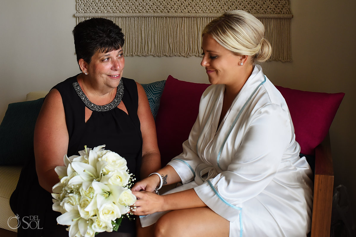 Getting Ready Bride and Mom Documentary Moment Withe Natural Flowers Bouquet Silk Gown Classic Wedding Hairstyle