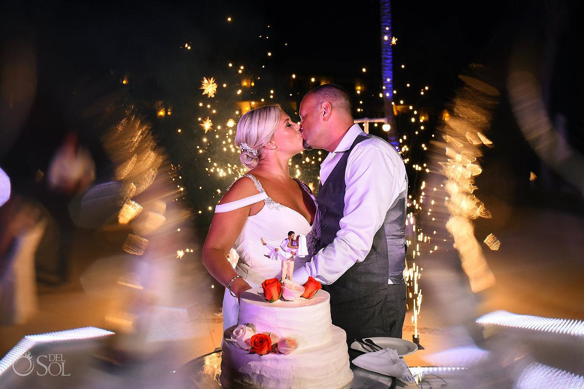 Wedding Natural Flowers Cake Amazing Newlyweds Kiss Cold Fireworks