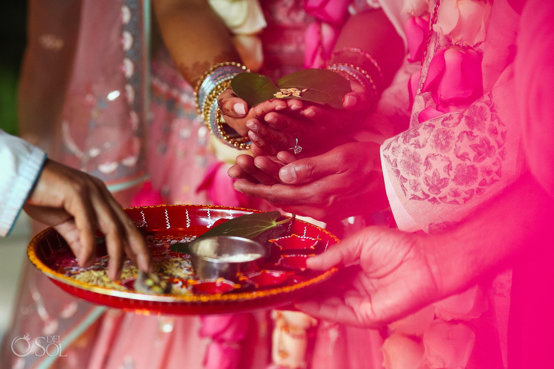 Saat pheras Hindu marriage ceremony