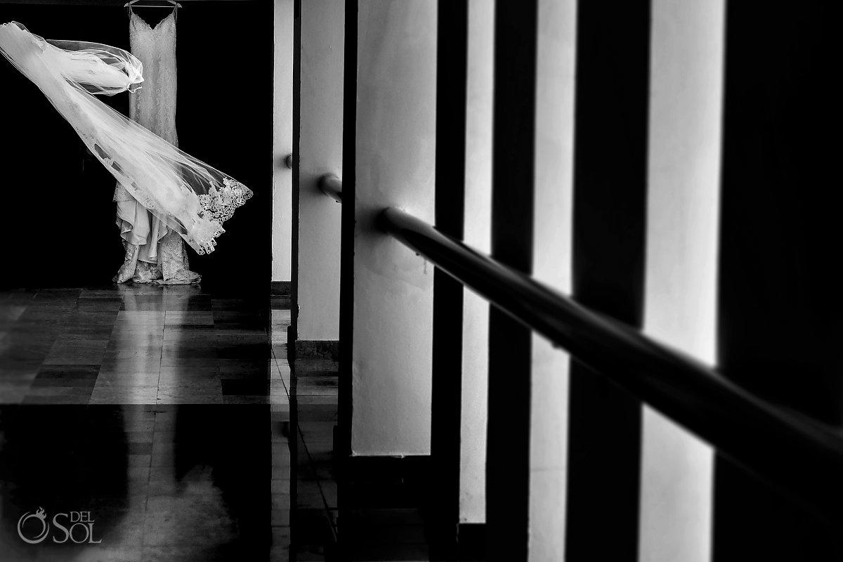 Mon Cheri Bridals Long Embroidery Dress Long Tule Veil Dreams Sands Cancun Hall Black Withe Wedding Details