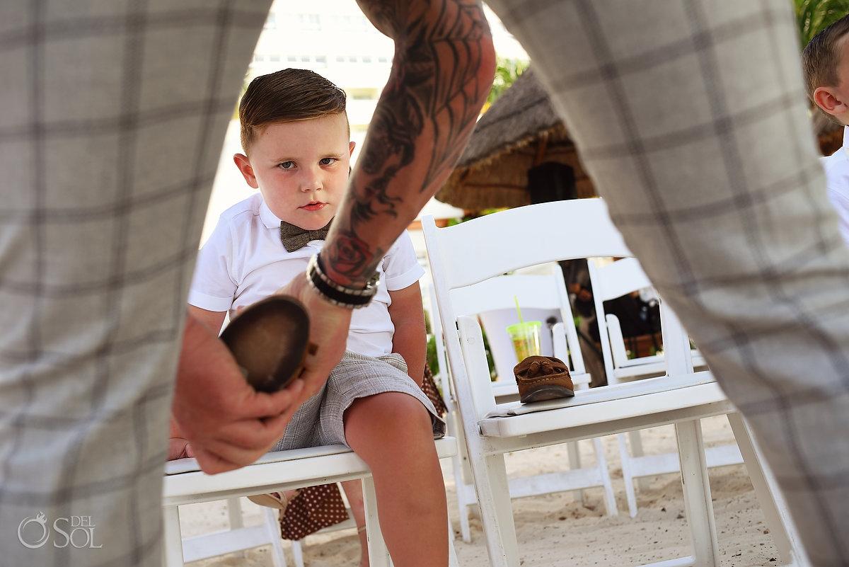 Documentary Wedding Photography Tattooed Groom Dad Soon Cute Moment Dreams Sands Wedding Cancun Mexico