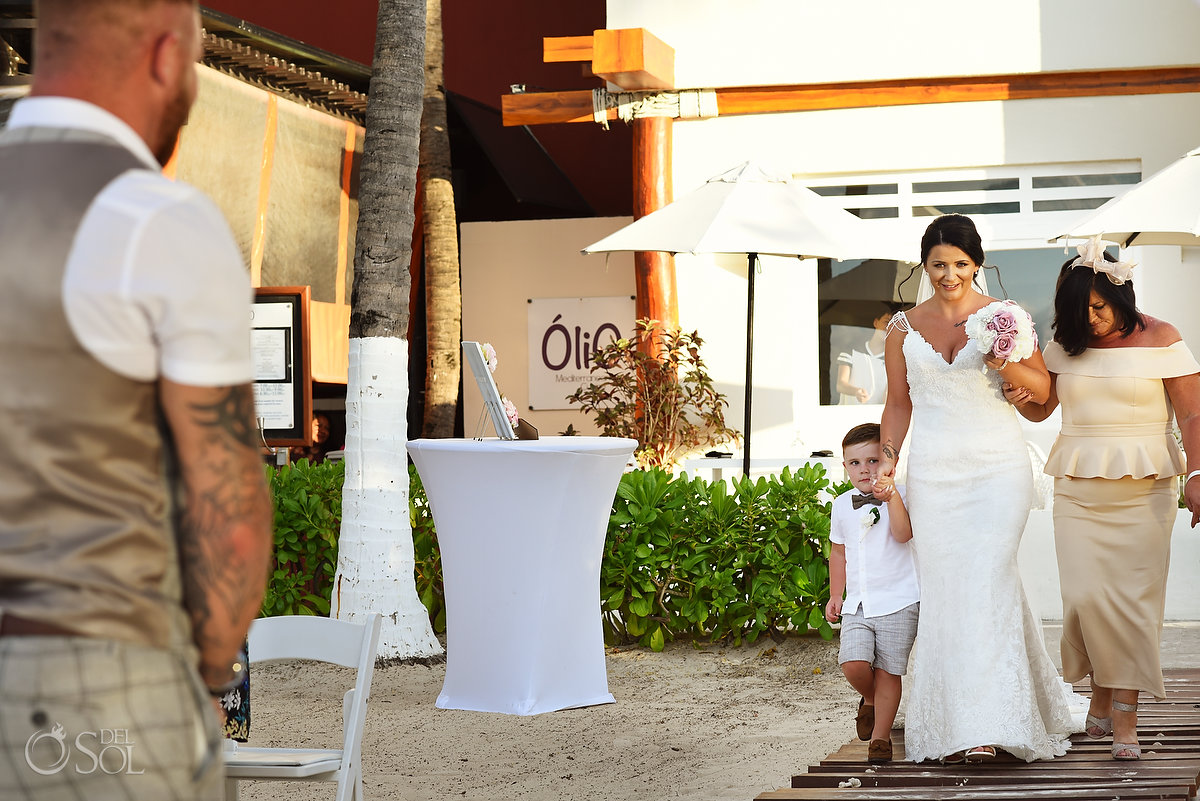 Bride First Look Entrance Family Walking Dreams Sands Cancun Wedding