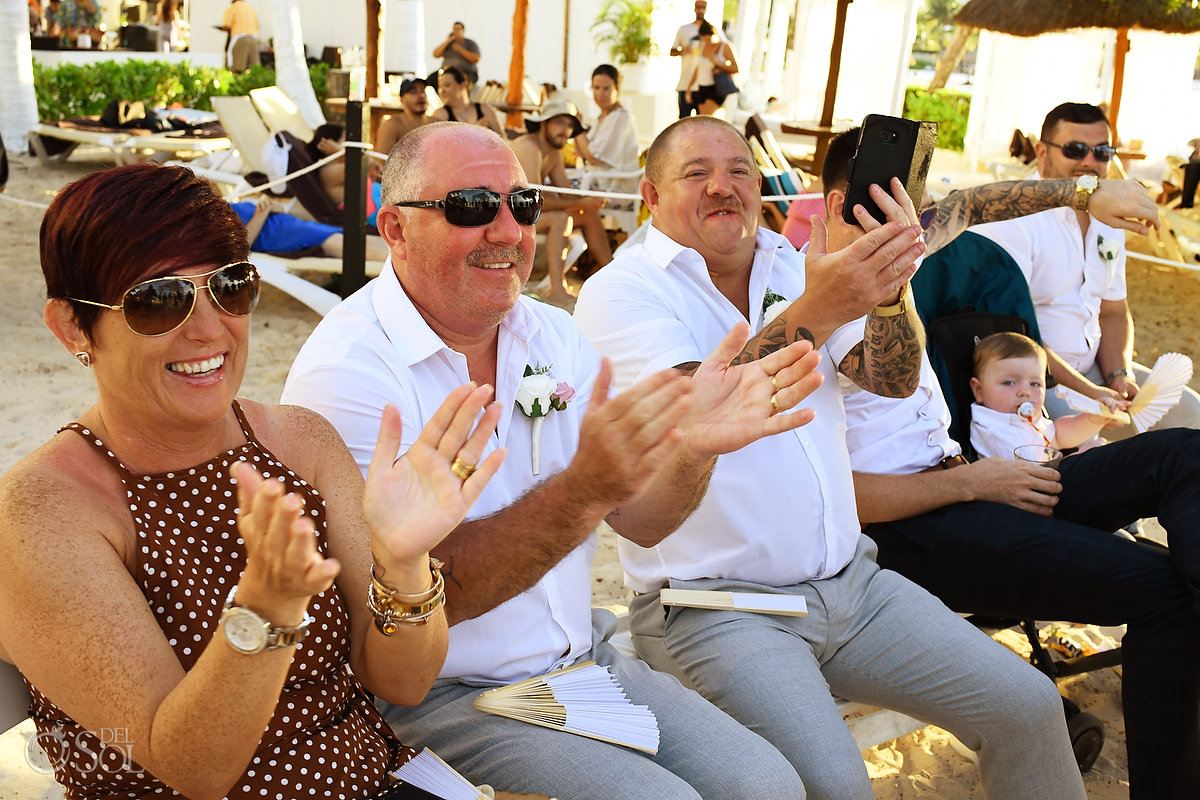 Emotional Guest Clapping Outdoors Mexican Caribbean Dreams Sands Cancun