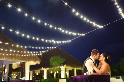 #TravelForLove Romantic wedding portrait couple kissing outside Paradisus Playa Del Carmen Club