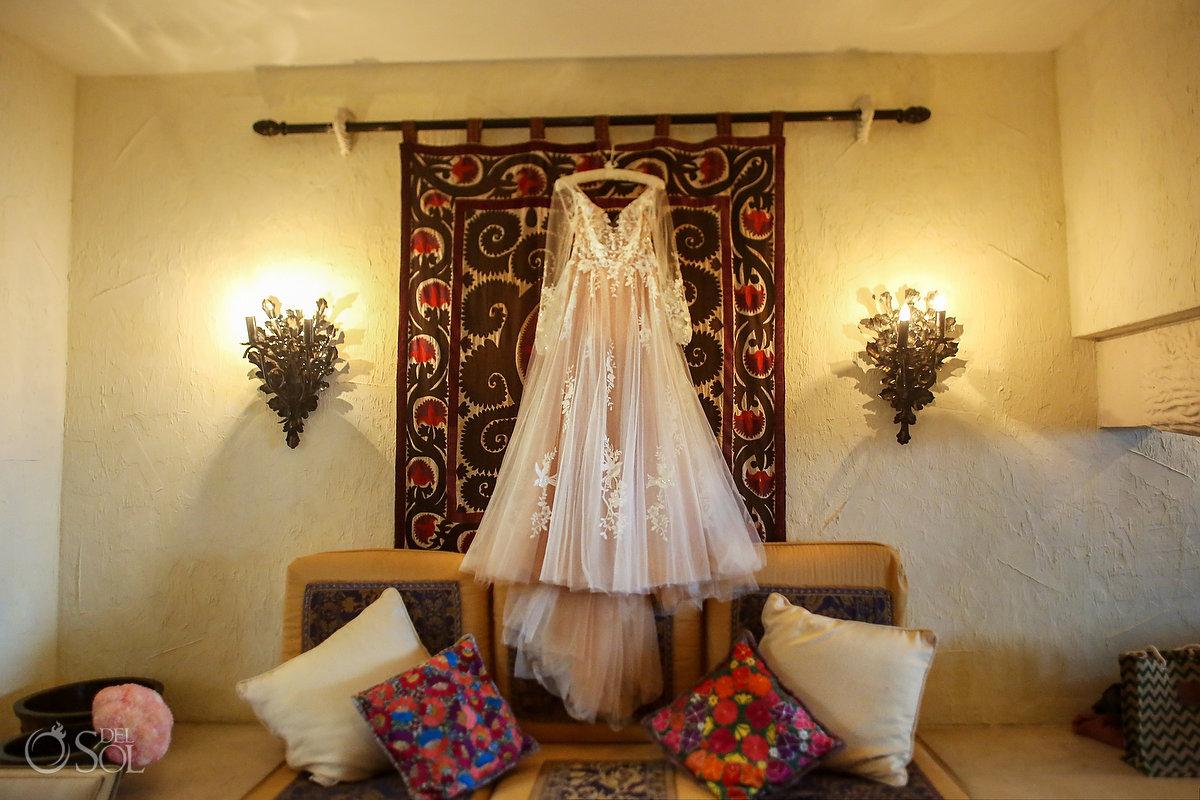 Elope In Mexico Wedding dress Zoetry Paraiso de la Bonita Elopement