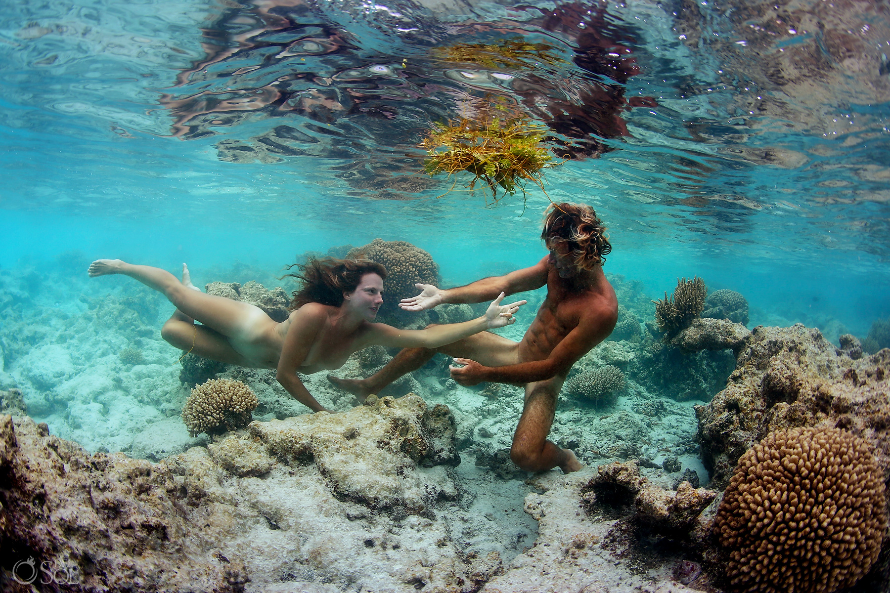 Underwater Adam Eve photoshoot love Tahiti
