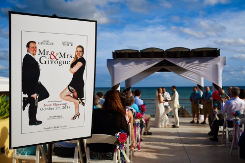 Mr and Mrs poster themed wedding Now Jade Puerto Morelos