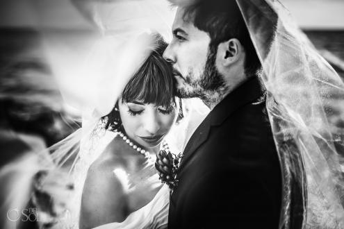 Black White Sutil Newlyweds Look Portrait Vintage natural Bridal makeup Pearl Neckless Akumal Bay Sunrise Elopement