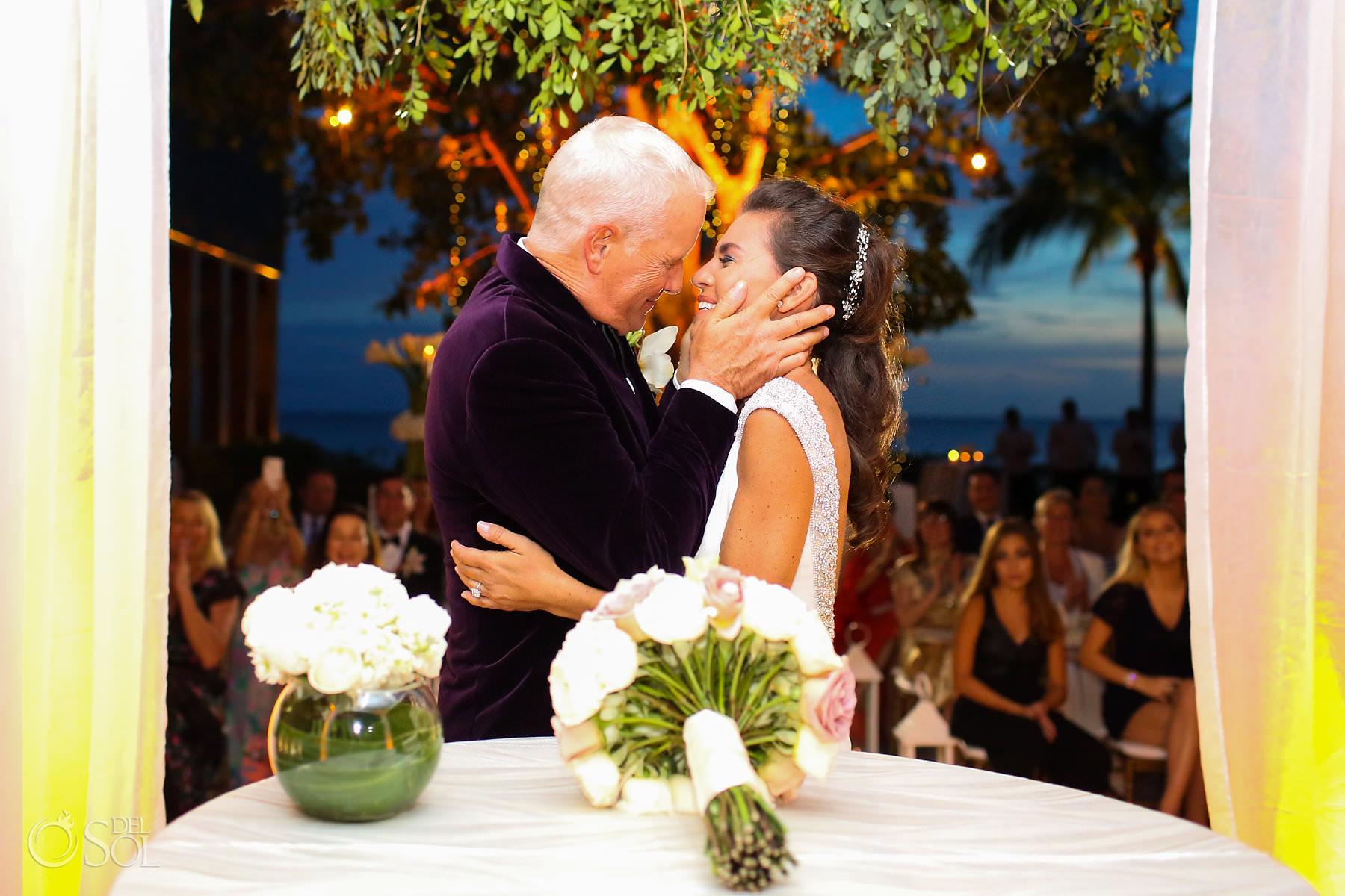 Nizuc Cancun wedding first kiss