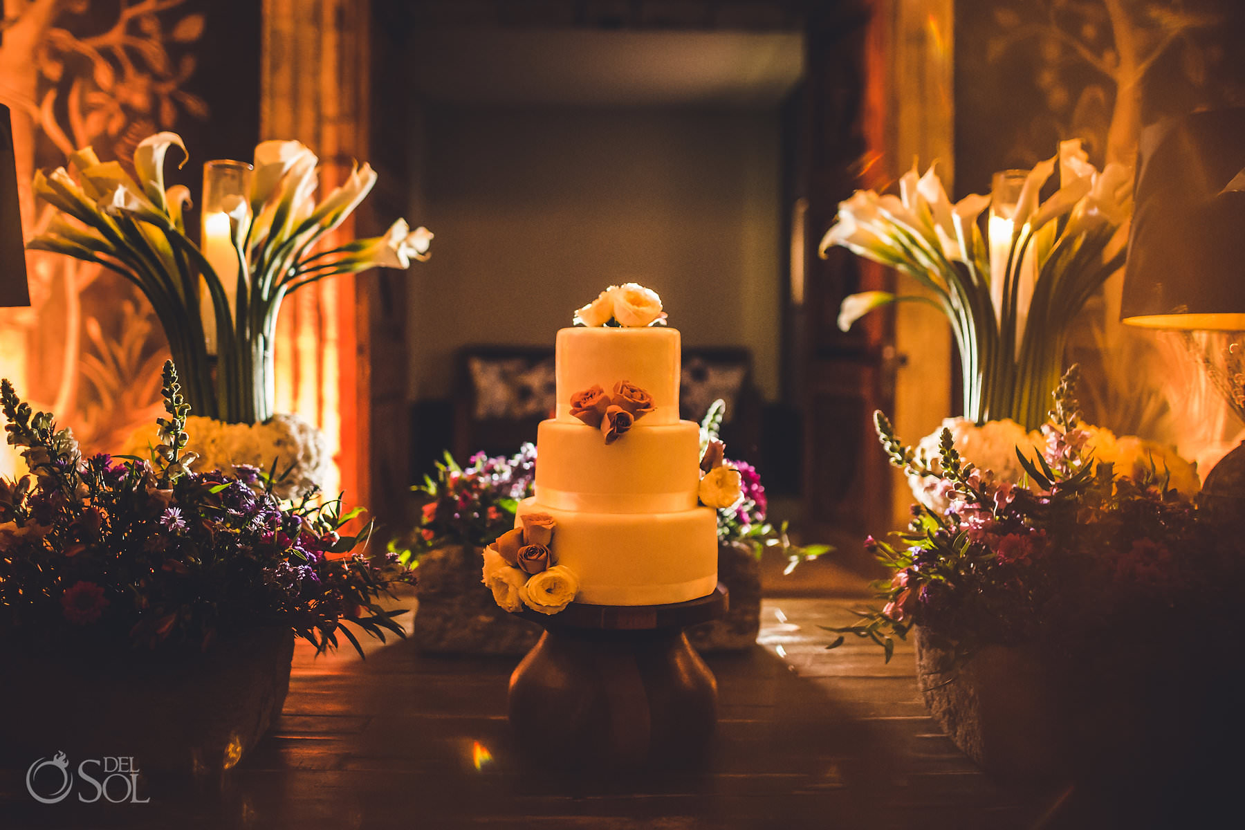 Nizuc Cancun wedding cake