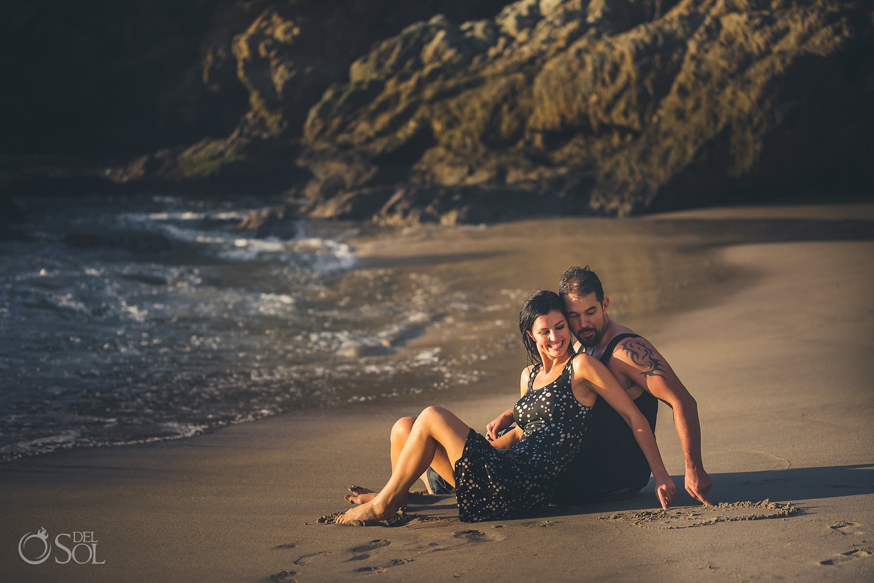 Engagement portrait photographer Hyatt Ziva Puerto Vallarta