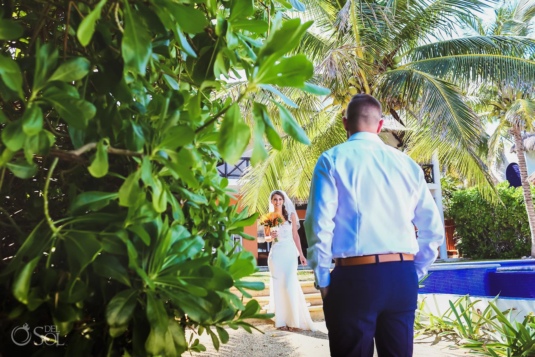 First look Villa de Valhalla Wedding