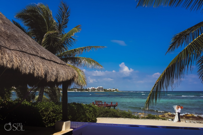 Villa de Valhalla Akumal Bride and groom Caribbean Ocean Yal Ku Lagoon