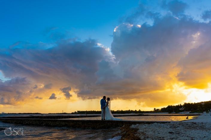 Amazing Just married session Puerto Aventuras Sunset riviera maya villa wedding