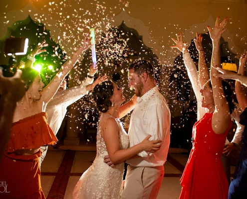 confetti just married dance riviera maya villa wedding