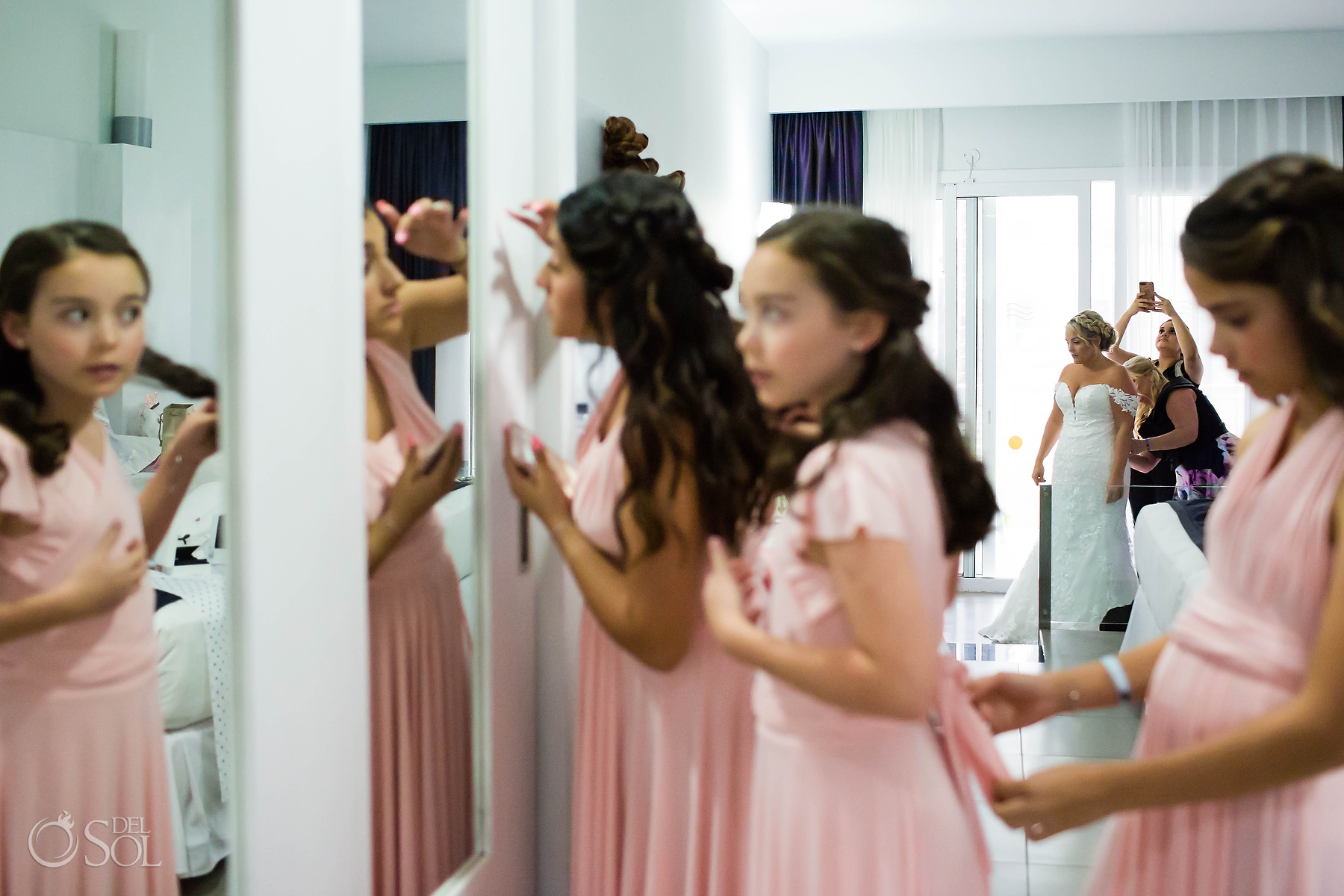 Bridal Wedding Party Getting ready at Riu Palace Mexico Suite