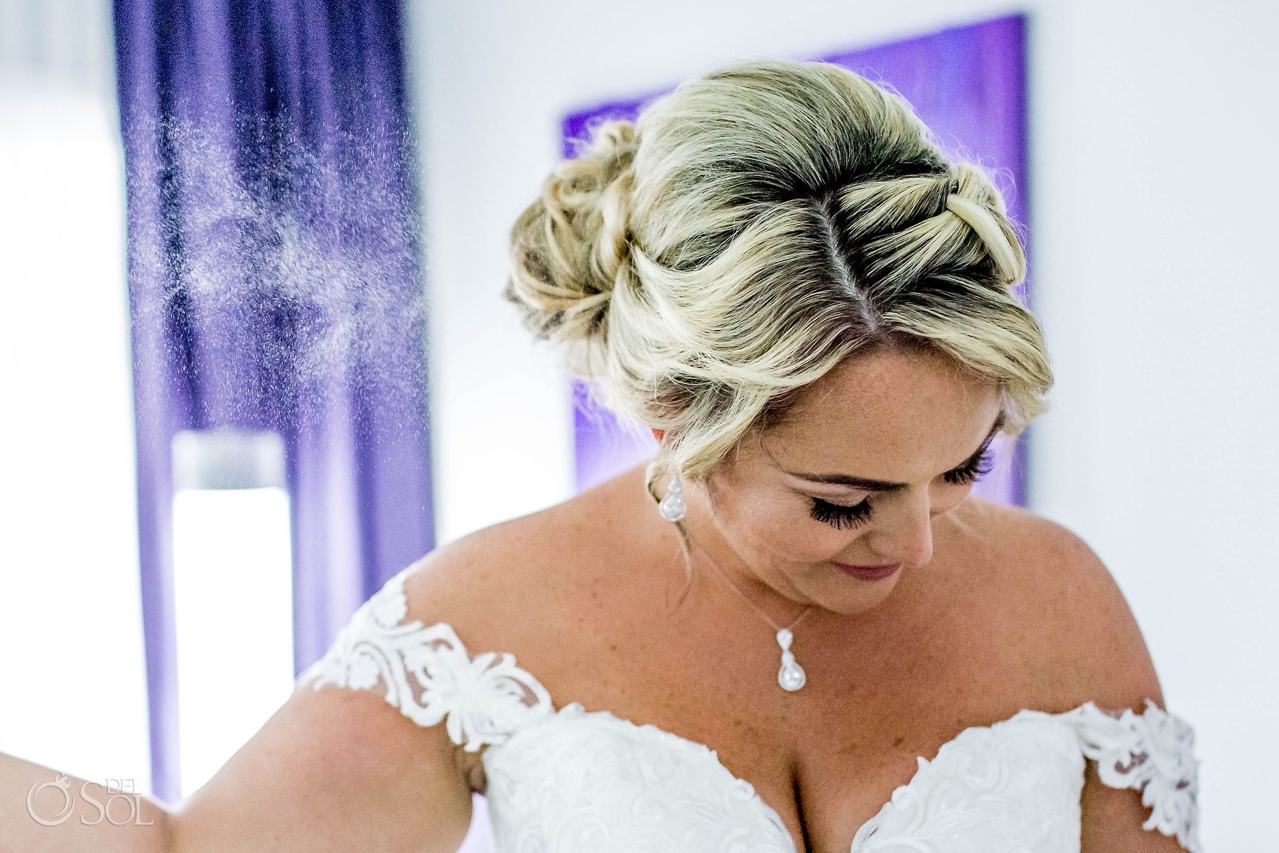 perfume spray wedding photographer