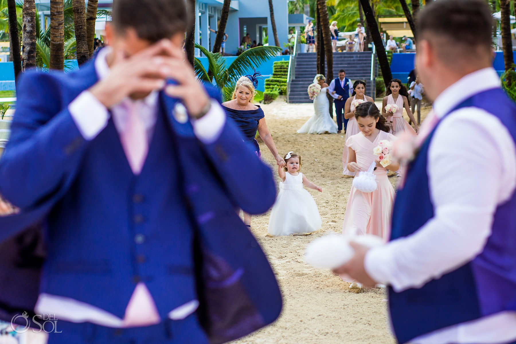 walking down the aisle Riu Palace Mexico photographer