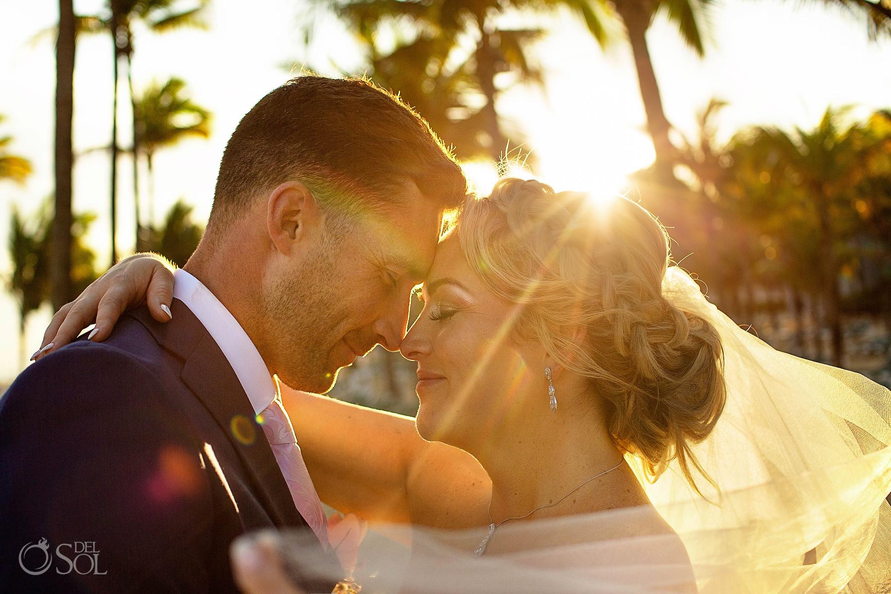 Beautiful sunset wedding photographer Riu palace mexico