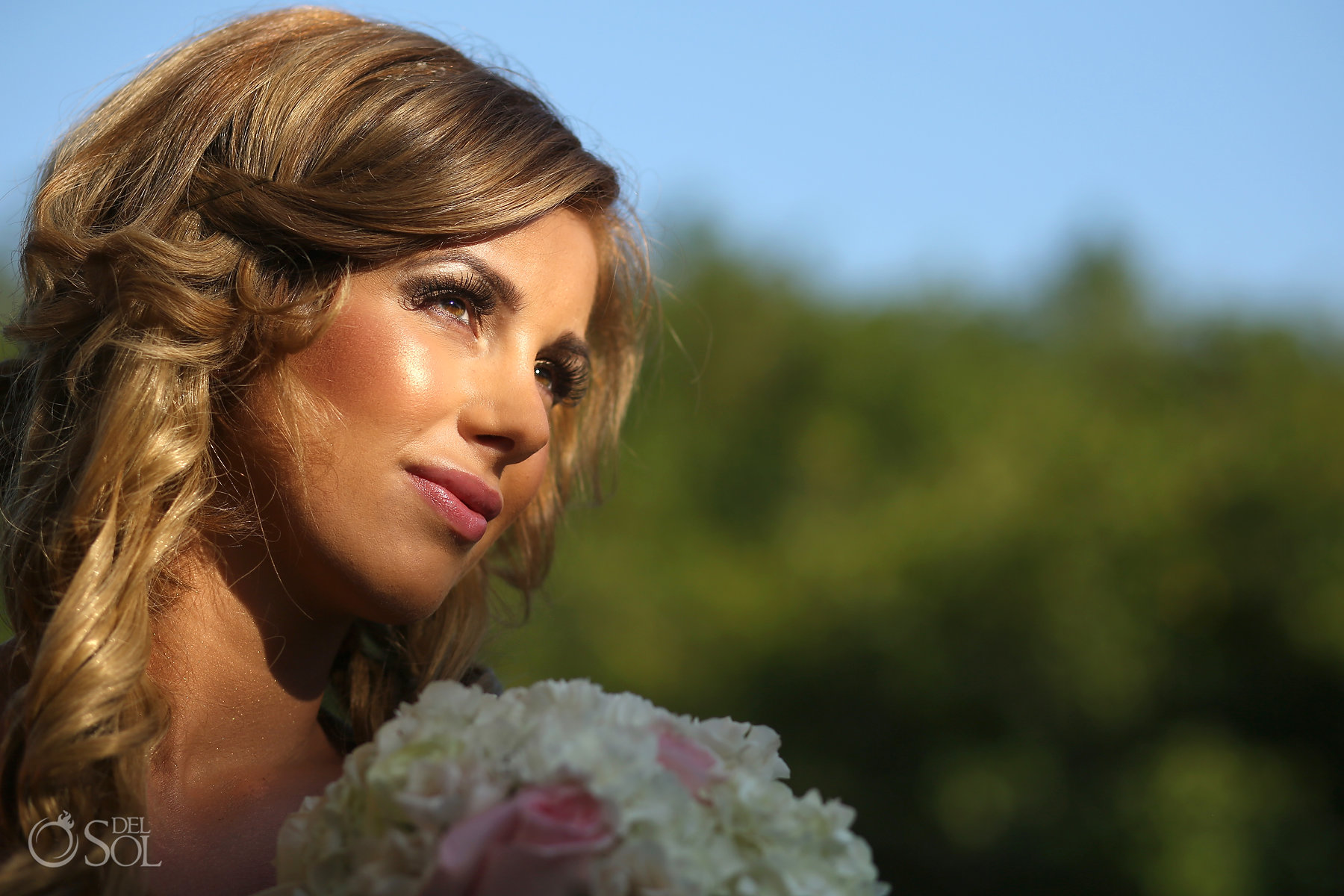 gold bridal makeup looks