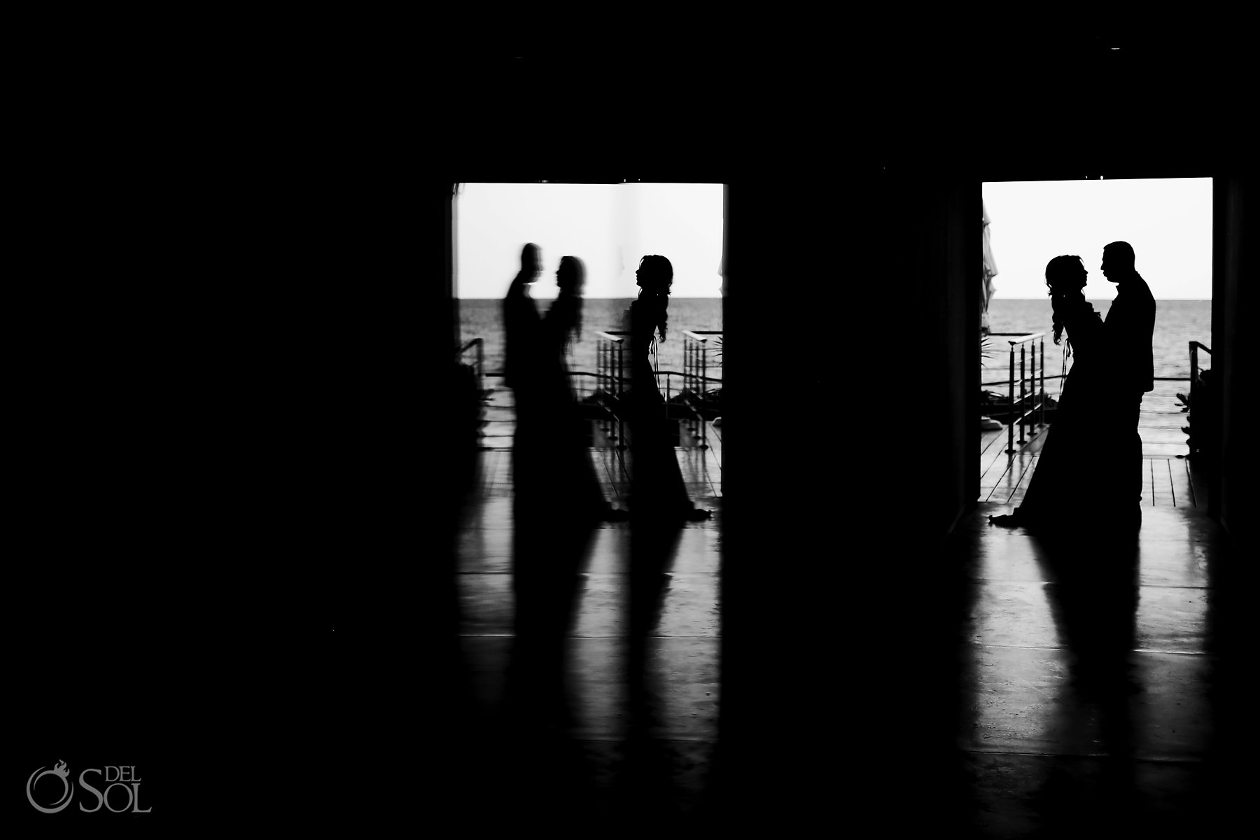 bride and groom silhouette reflection portrait Best elopement locations mexico
