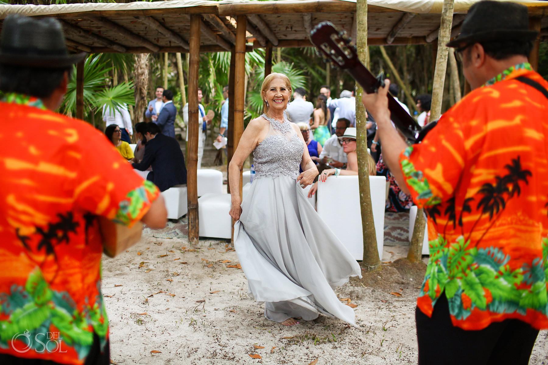 cocktail hour akumal bay beach and wellness resort wedding