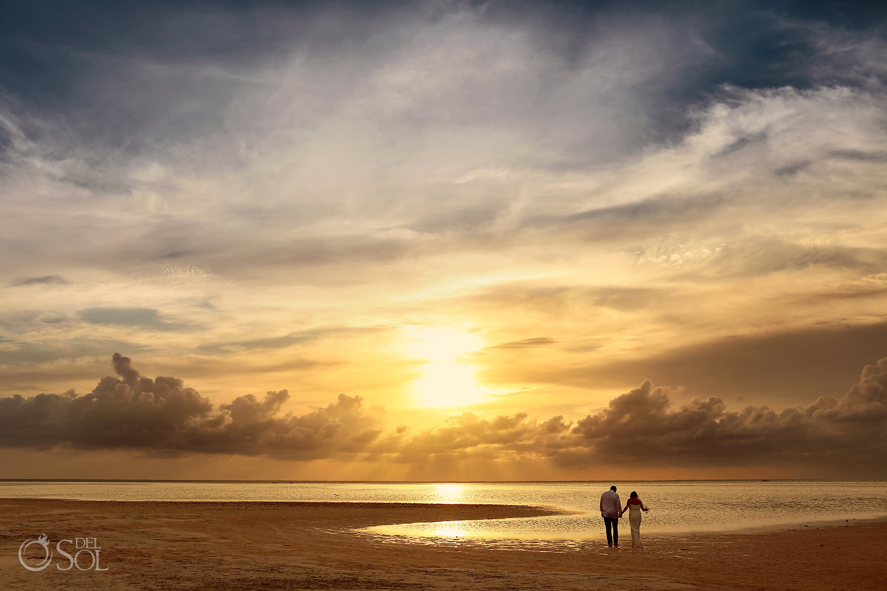 Epic sunset wedding photo location Cancun Mexico