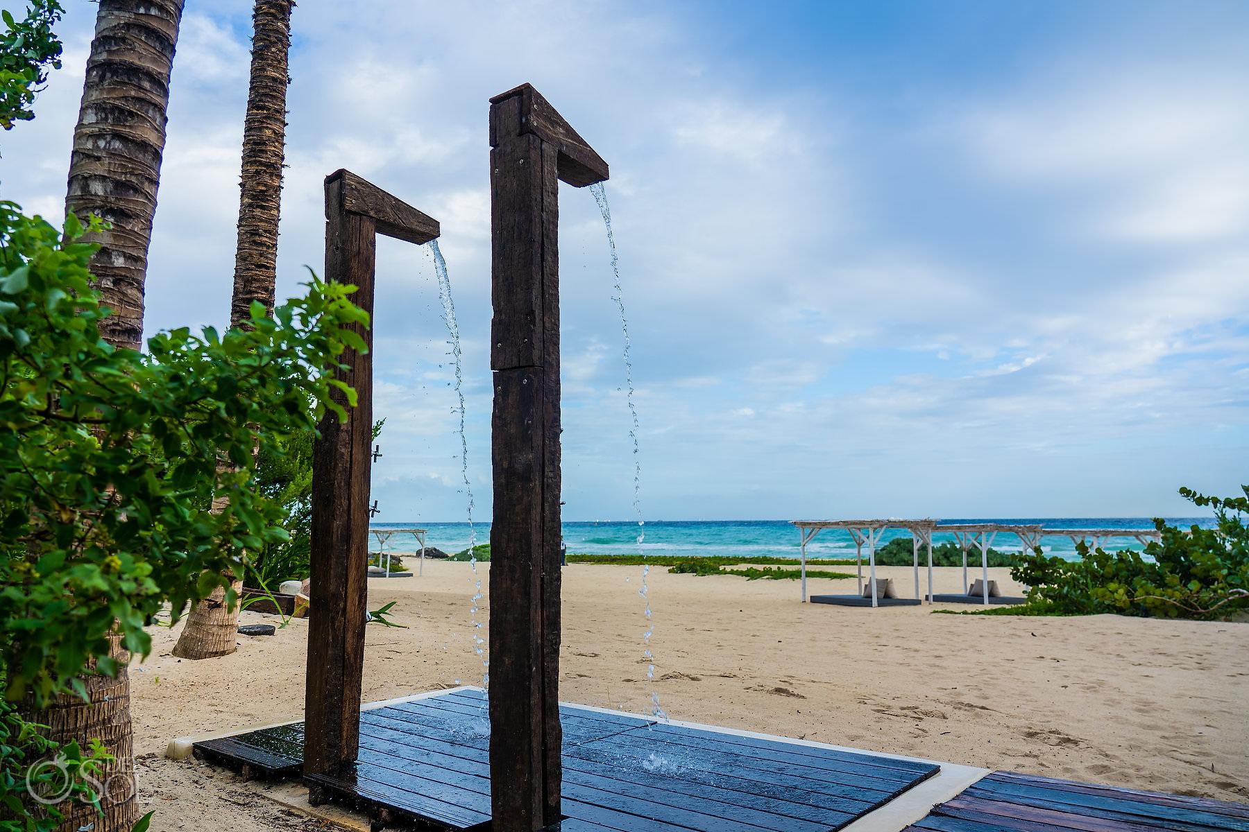 Beach showers Palmaia House of Aia